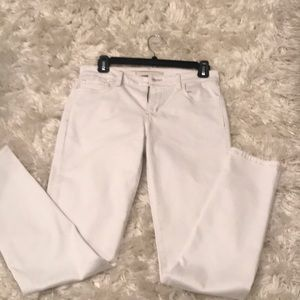 White skinny size 26 Joes jeans.